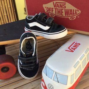 Vans Old Skool Velcro No Tie Suede Low Tops SZ 6.5